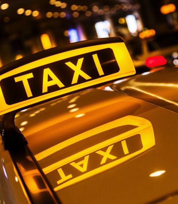 услуги такси в Судаке